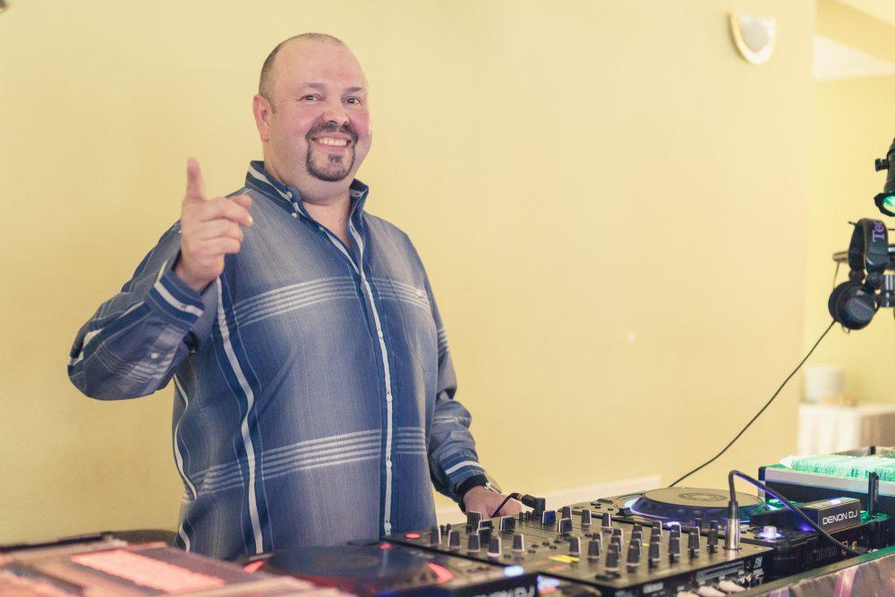 DJ Mixbee - eskuvo-djmixbee.hu - Csapó István Esküvő és Party DJ